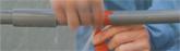 LLFAテープと他社製自己融着テープ (アーロンテープ) の漏水修理比較ビデオ